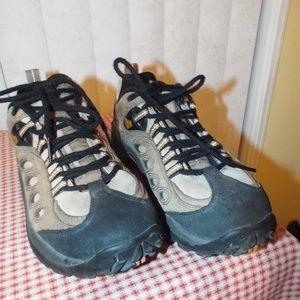 Women's Merrell Size 7 Shoes
